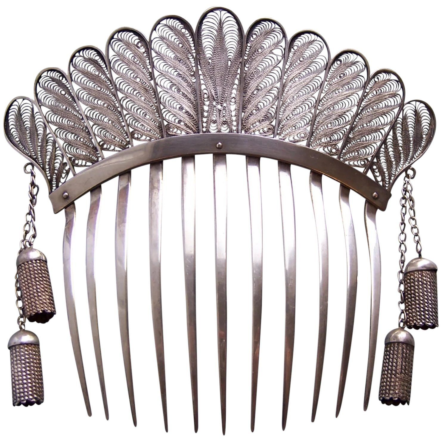 Pin On Vintage Hair Combs Tiaras Clips And Hairstyles