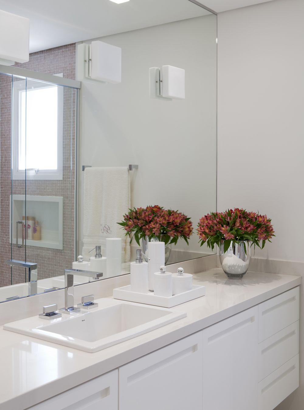 Decoração de banheiro; bancada branca; Casa de Valentina  banheiros  Pinte # Decoracao De Banheiro Com Bancada De Granito