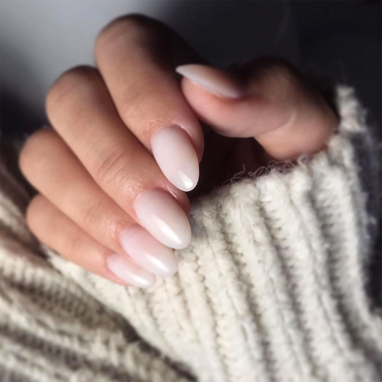 Milky Nails Is The New Manicure Trend Everyone Should Try In 2020 Pink Manicure Manicure Nails