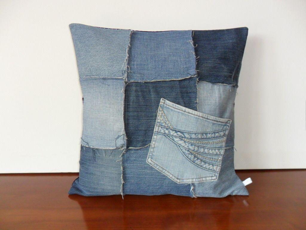 Housse de coussin en patchwork blue jeans blue jeans for Housse de coussin patchwork