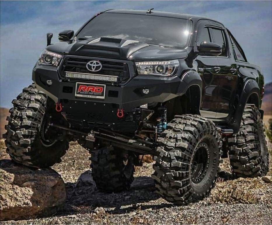 Powerful Off Roader Toyota Trucks 4x4 Trucks