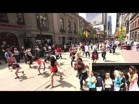 Best Flash Mob Proposal Ever Rs Youtube Amazing Flashmob