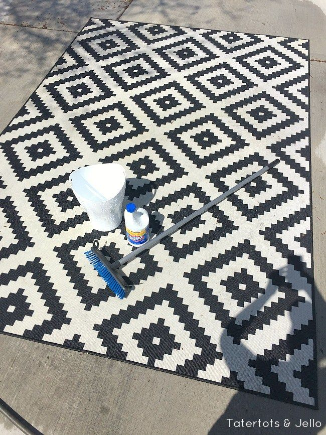 How To Clean A Moldy Outdoor Rug Outdoor Rugs Patio Outdoor Deck Rugs Outdoor Rugs
