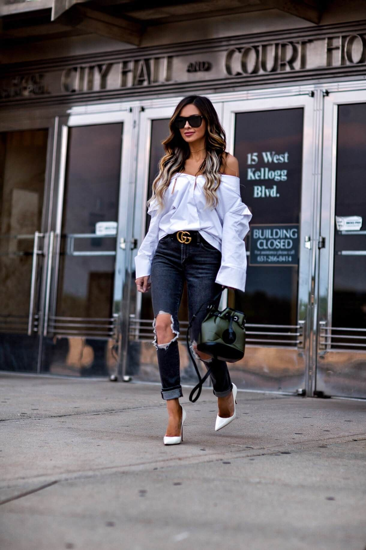 59ab74f38cc4 mn fashion blogger mia mia mine wearing a white button-down and a gucci belt