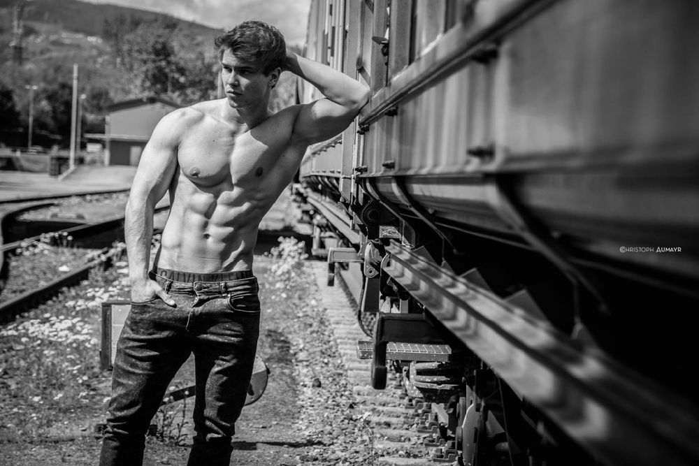Lukas Sparer: The Male Power |