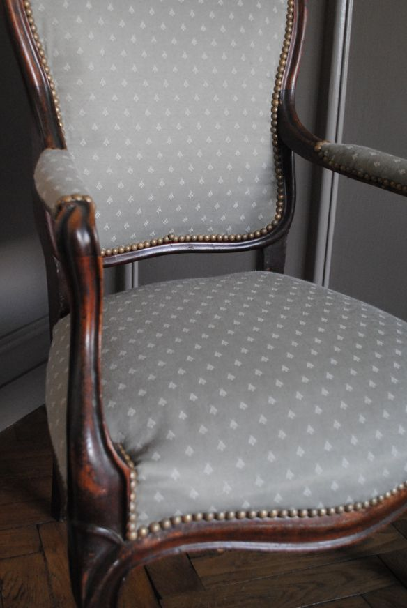 DIY Retapisser un fauteuil - 10 Créer Pinterest Fauteuils, DIY - moderniser des vieux meubles