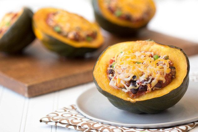 Stuffed Squash Under 200 Calories: Chili-Stuffed Acorn Squash, Spinach Feta Stuffed Zucchini | Hungry Girl