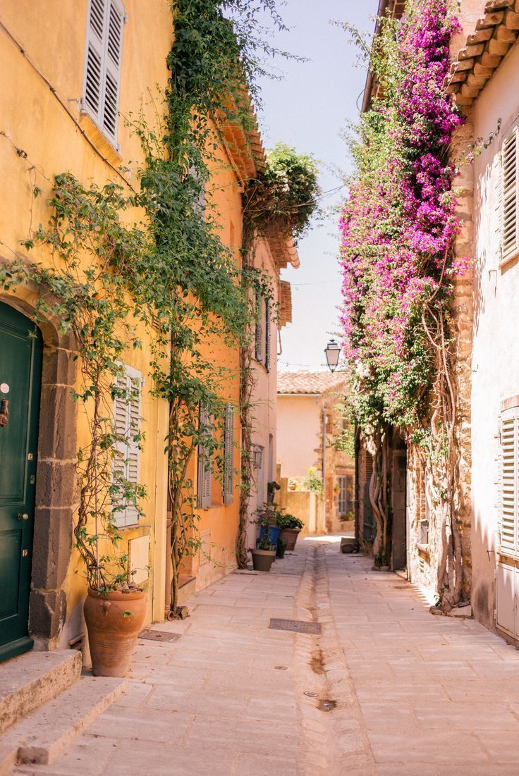 This summer we went on an incredible three-week-long trip to Provence and the French Riviera. Provence is filled with incredible views and spectacular aesthetic. - France Travel Destinations | Kid Friendly | Family Vacation #travel #familytravel #vacation #travelwithkids #France #Europe #exploreFrance #visitFrance #TravelFrance #FranceVacation #FranceTravel