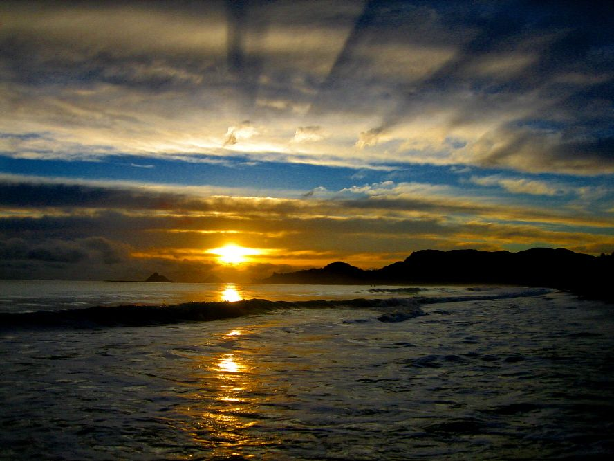 Lanikai Beach Sunrise Oahu Hawaii Photo By Bob Dacy