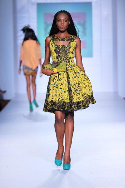 robe pagne tenues africaines pinterest conceptions d 39 ankara recherche et design. Black Bedroom Furniture Sets. Home Design Ideas