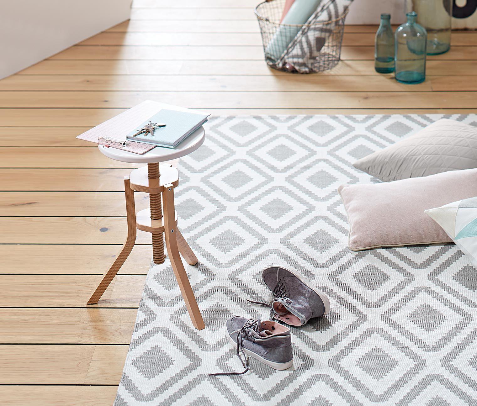 Spindelhocker Online Bestellen Bei Tchibo 326131. Skandinavisches  DesignTeppich WohnzimmerTeppicheEinrichtungDekorationWohnen