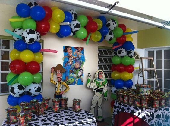Toy story balloon decor fiesta iker pinterest - Tematicas para fiestas de cumpleanos ...
