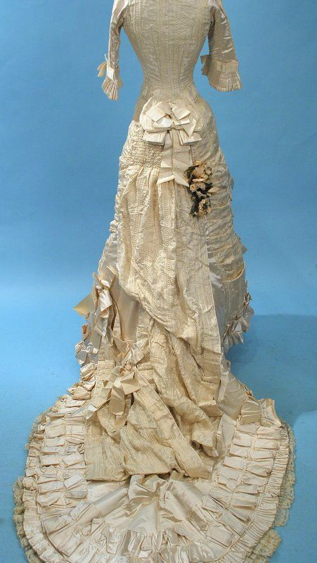 .back view victorian wedding dress