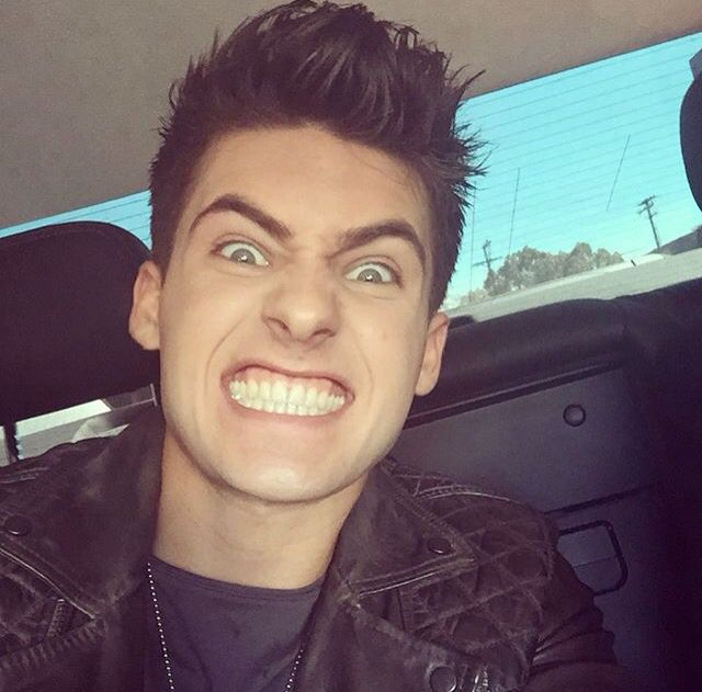 His teeth are perf #codychristian