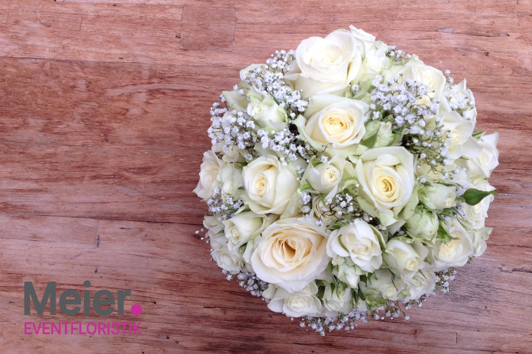 Download Wallpapers Wedding Bouquet White Roses Bouquet Of The Bride White Flowers Decoration Wedding Concepts Besthqwallpapers Com Vita Blommor Vita Rosor Brollopsbuketter