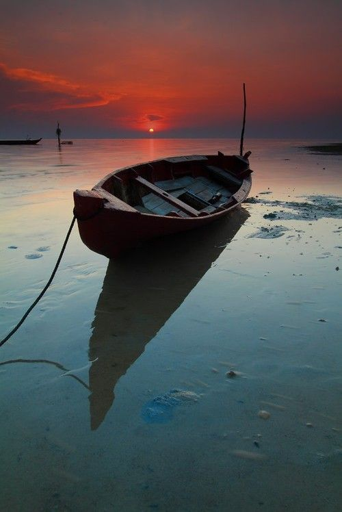 Pingl par christine sur barque pinterest barque for Dans un petit bateau