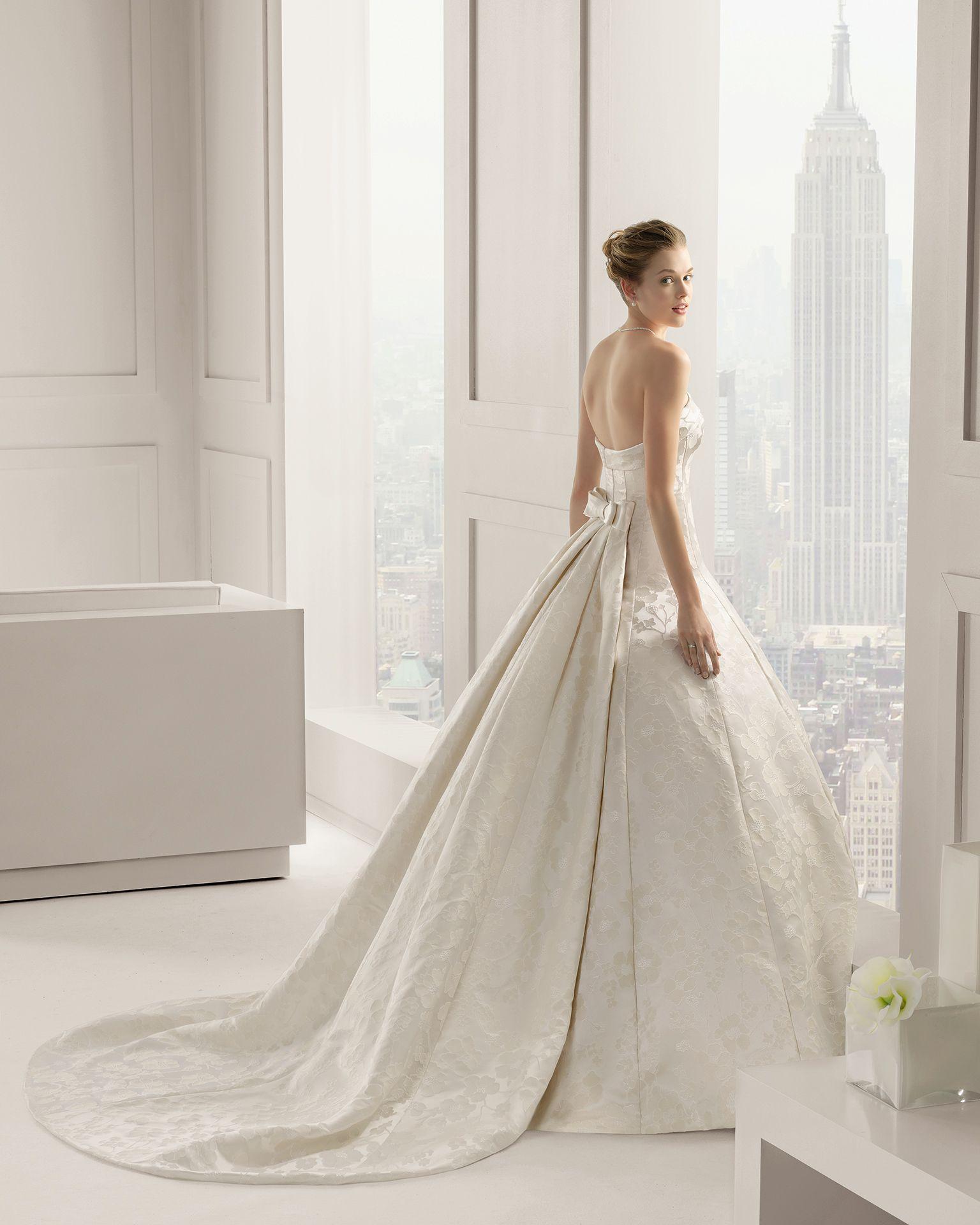 Vestidos de novia y vestidos de fiesta | Brocado de seda, Rosa clará ...