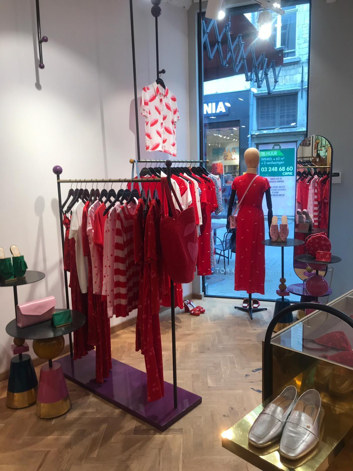 Fabienne Chapot Binnenkant Winkel Vooraan Met Afbeeldingen Winkel