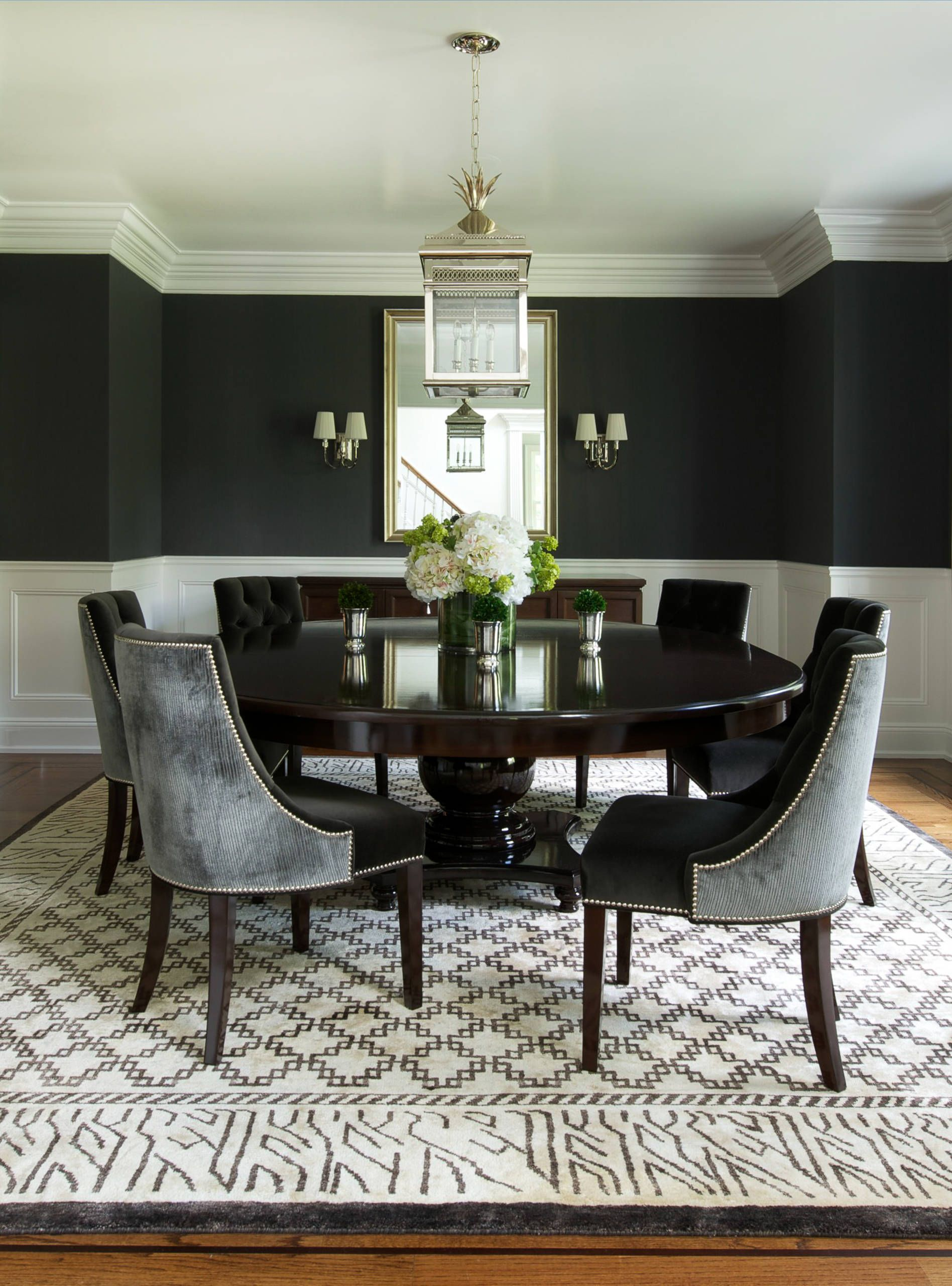 Round dining table to decorate your home living room ideas