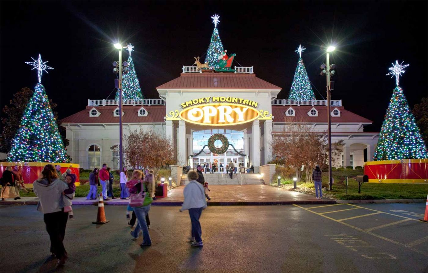 Christmas at the Smoky Mountain Opry in Pigeon Forge TN | Pigeon ...
