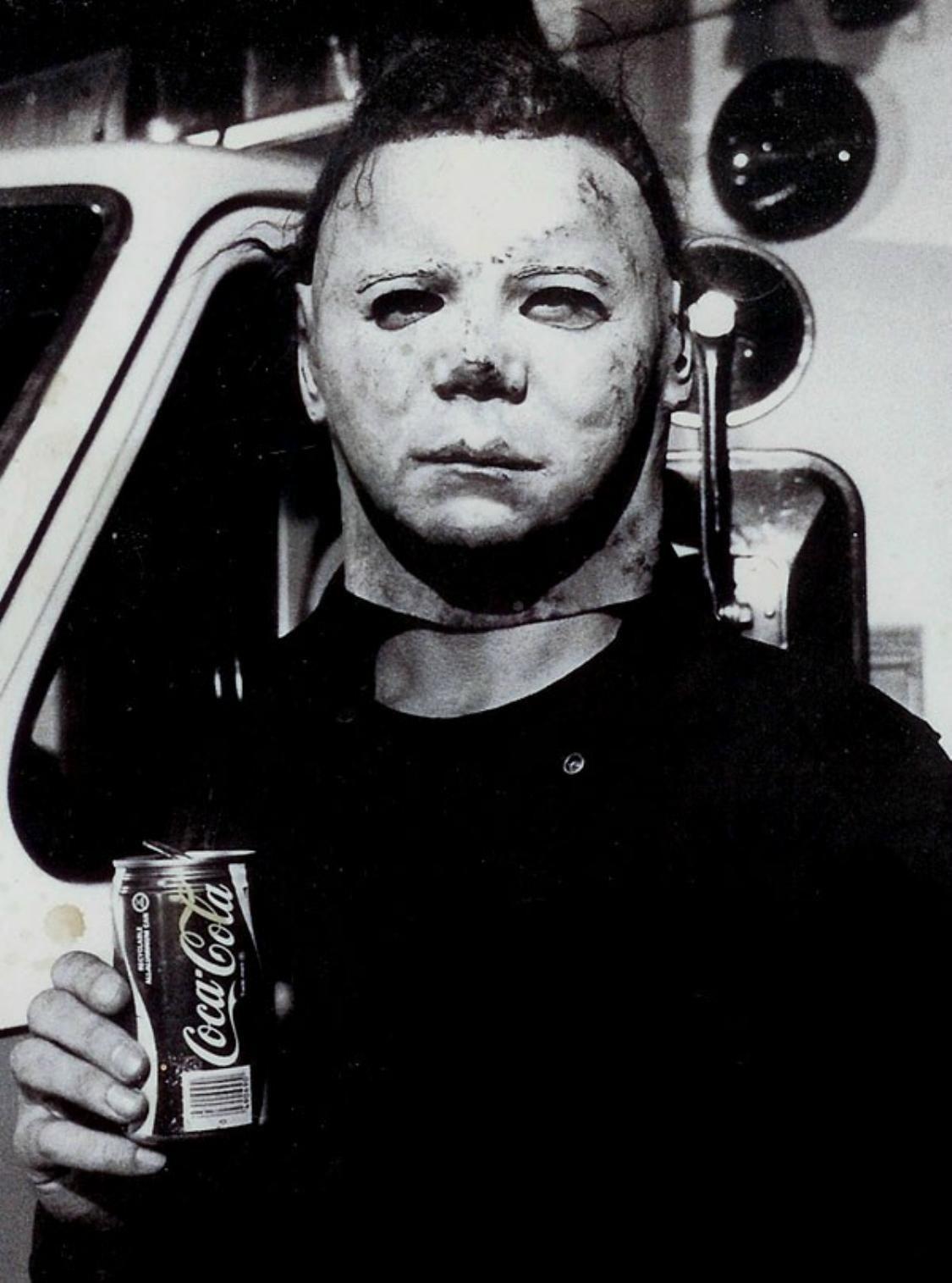 Behind the scenes in HALLOWEEN II (1981). | HALLOWEEN | Pinterest ...