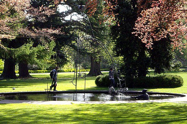e9742a0491b6f0bae8096c8c6cad0c33 - Hamilton Gardens New Zealand Alice In Wonderland