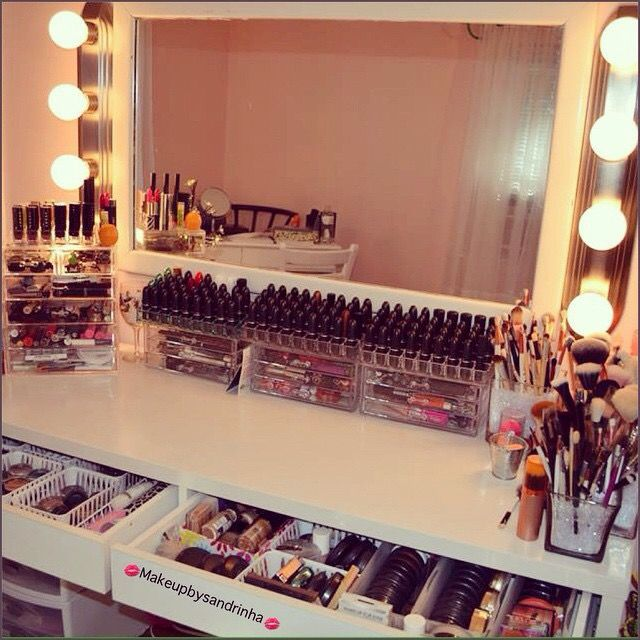 That Is A Lot Of Makeup A Lot Of That Stuff Would Expire Before Use It All Beauty Room Makeup Rooms Makeup Organization