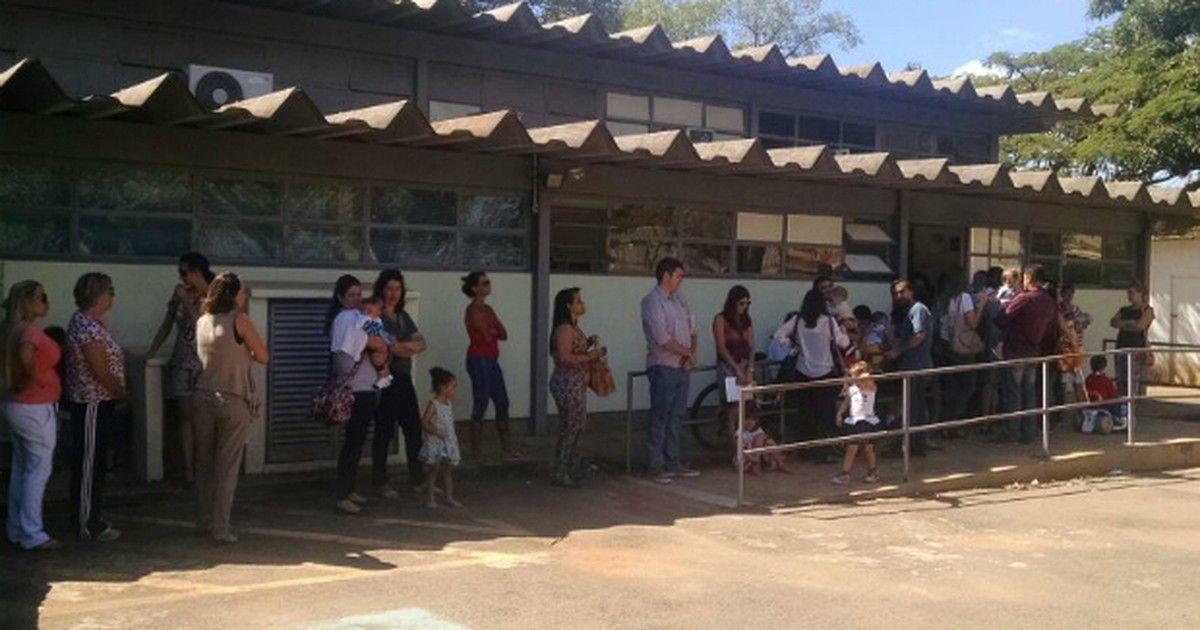 #Início da vacinação contra H1N1 no DF forma filas em postos de saúde - Globo.com: Globo.com Início da vacinação contra H1N1 no DF forma…