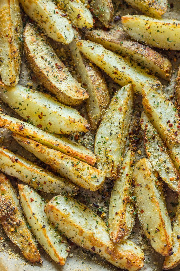 Crispy baked parmesan wedges coated in a flavorful parmesan garlic spice blend and served with blue cheese ranch dipping sauce.Hey friends, I've got another super easy and super delicious dis…