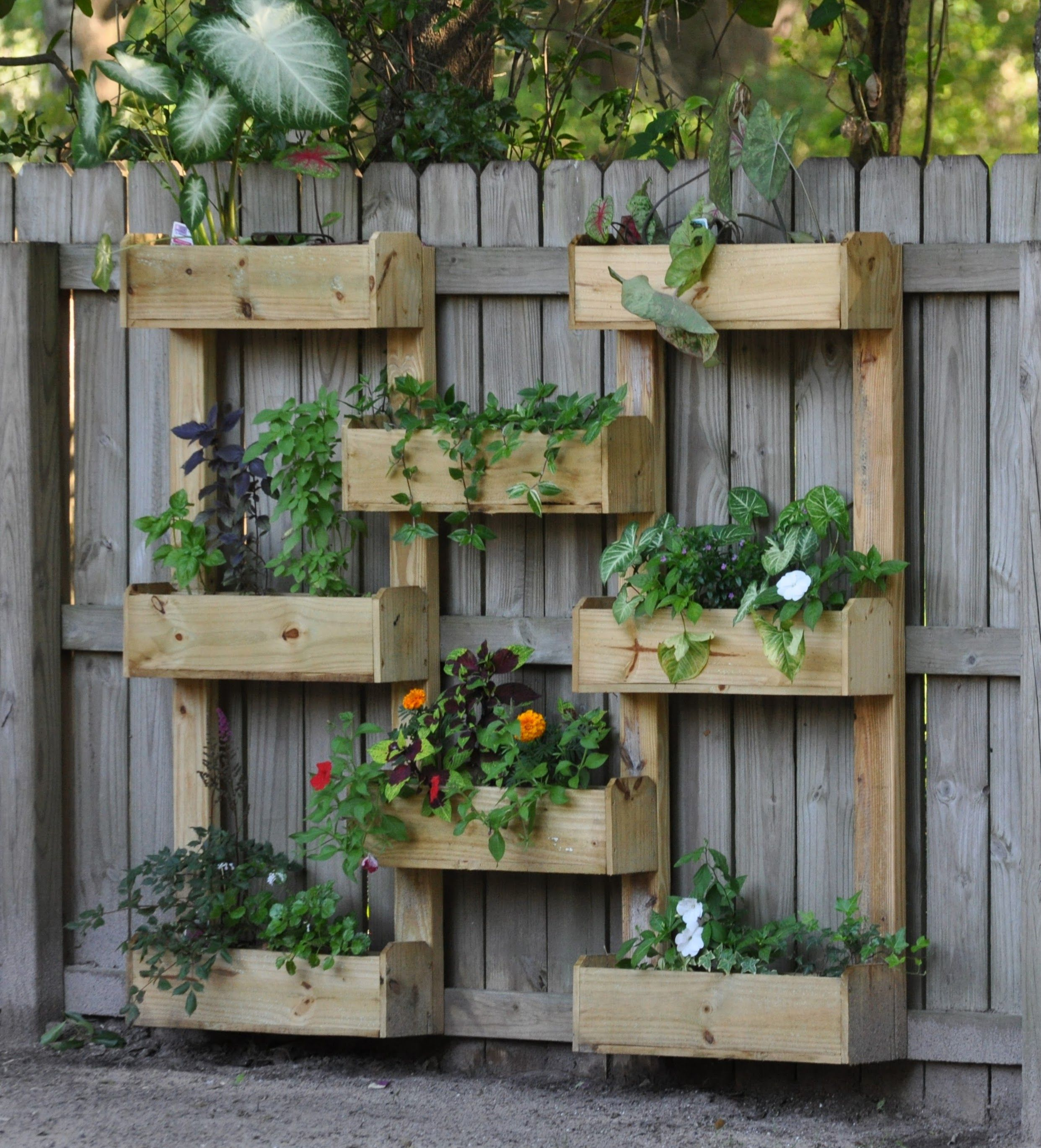 Planter Boxes Built With Fence Pickets Garden Planter Boxes Planter Boxes Fence Planters