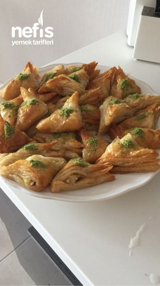 Milföy Baklava  Nefis Yemek Tarifleri  T.C Ayla Güzey İncearap Dinner Chicken      Loose, buttery and versatile: puff pastry tastes sweet and salty and is super easy to process. Koch-Mit shows puff pastry recipes with something for everyone.    Whether for your next party, as a snack in between or as a whole meal - puff pastry suits every occasion and every taste. Koch-Mit shows you creative recipe ideas... #Ayla #BAKLAVA #Chicken #Dinner #Güzey #İncearap #Milföy #Nefis #Tarifleri #yemek