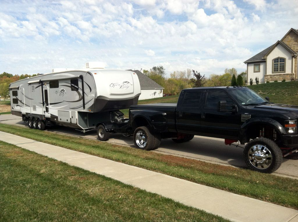 This compliant SAE J2807 towing capacity calculator is