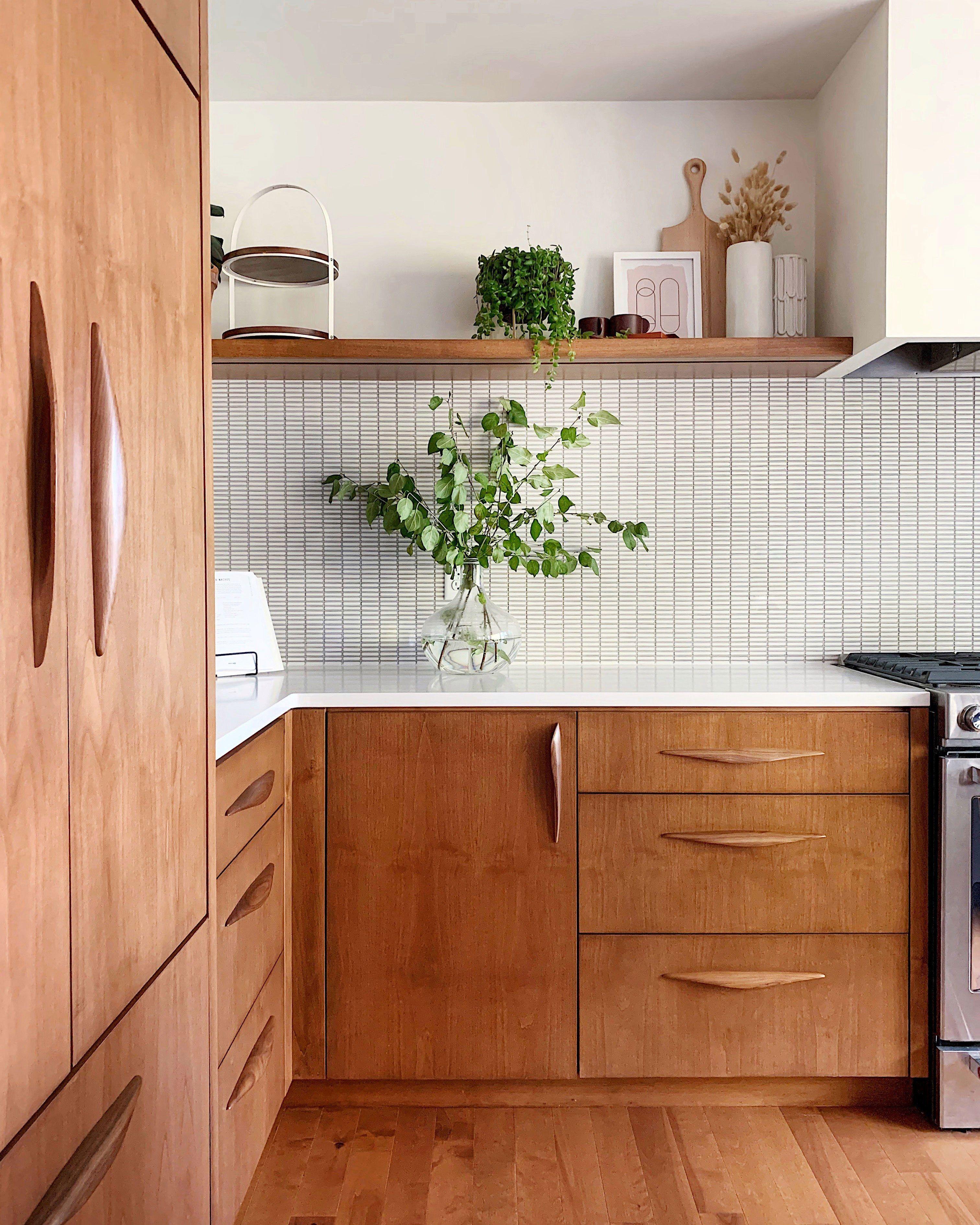 A Gorgeous Mid Century Modern Kitchen Remodel In 2020 Moderne