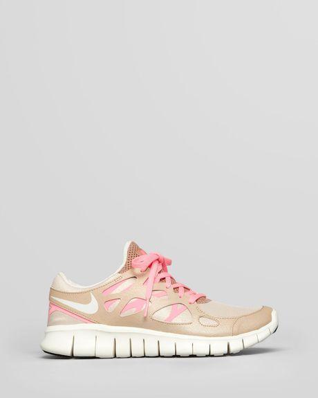 100% autenticado colores delicados los mejores precios Nike Sneakers Womens Free Run 2 Prm Ext in Gold (birch/metallic ...