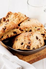 Chocolate Chip Scones #Tastebudladies #Scones