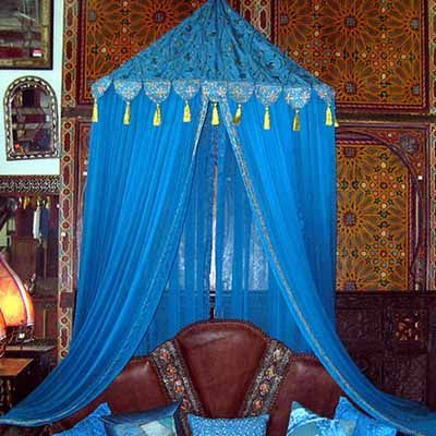 Pretty Diy Canopy Beds Decozilla Do This Over A Daybed Which Doubles For Couch In The Living Room