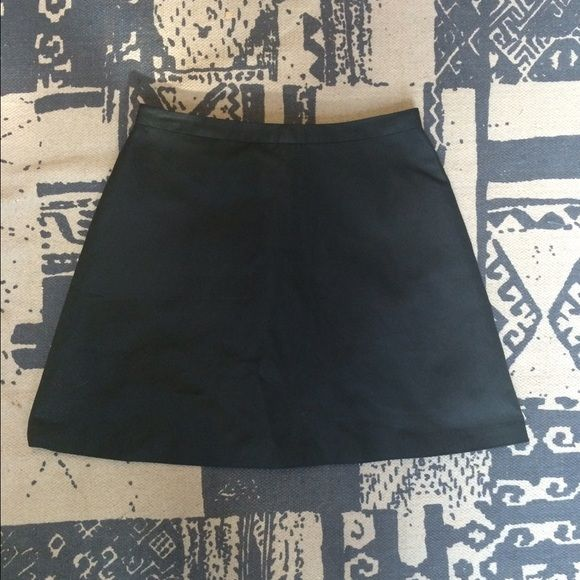 {Madewell} Skirt Black A-line skirt from Madewell; made of a thick material and quite flattering. Madewell Skirts Mini