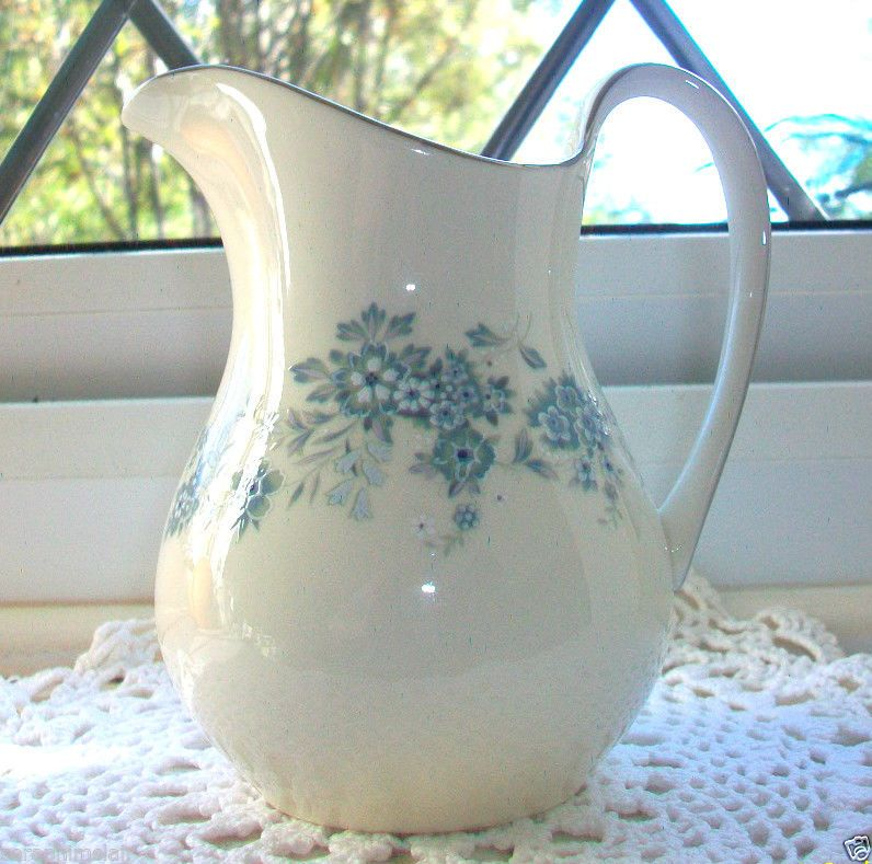 Royal Doulton The Romance Collection  Michelle  H.5078 Milk / Cream Jug Exc!