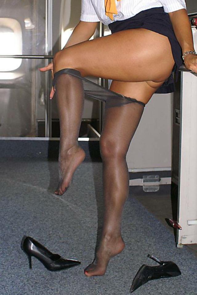 Candid blonde sandale or feet escalier gare 38 - 3 4