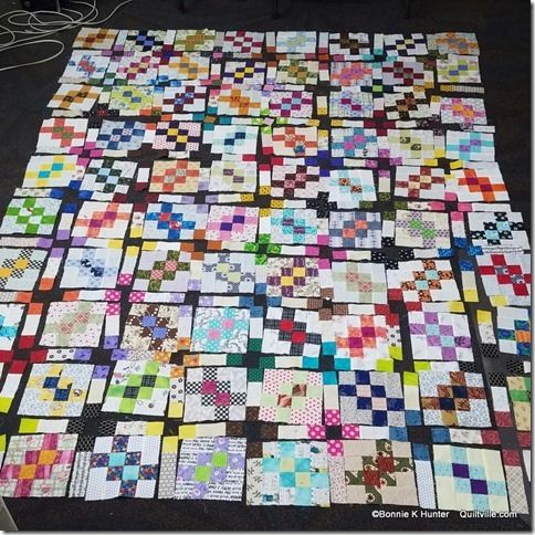 Bonnie Hunter's Garlic Knots with sashing (laid out before stitching blocks together) | Bonnie hunter, Bonnie hunter scrap quilts, Quilts