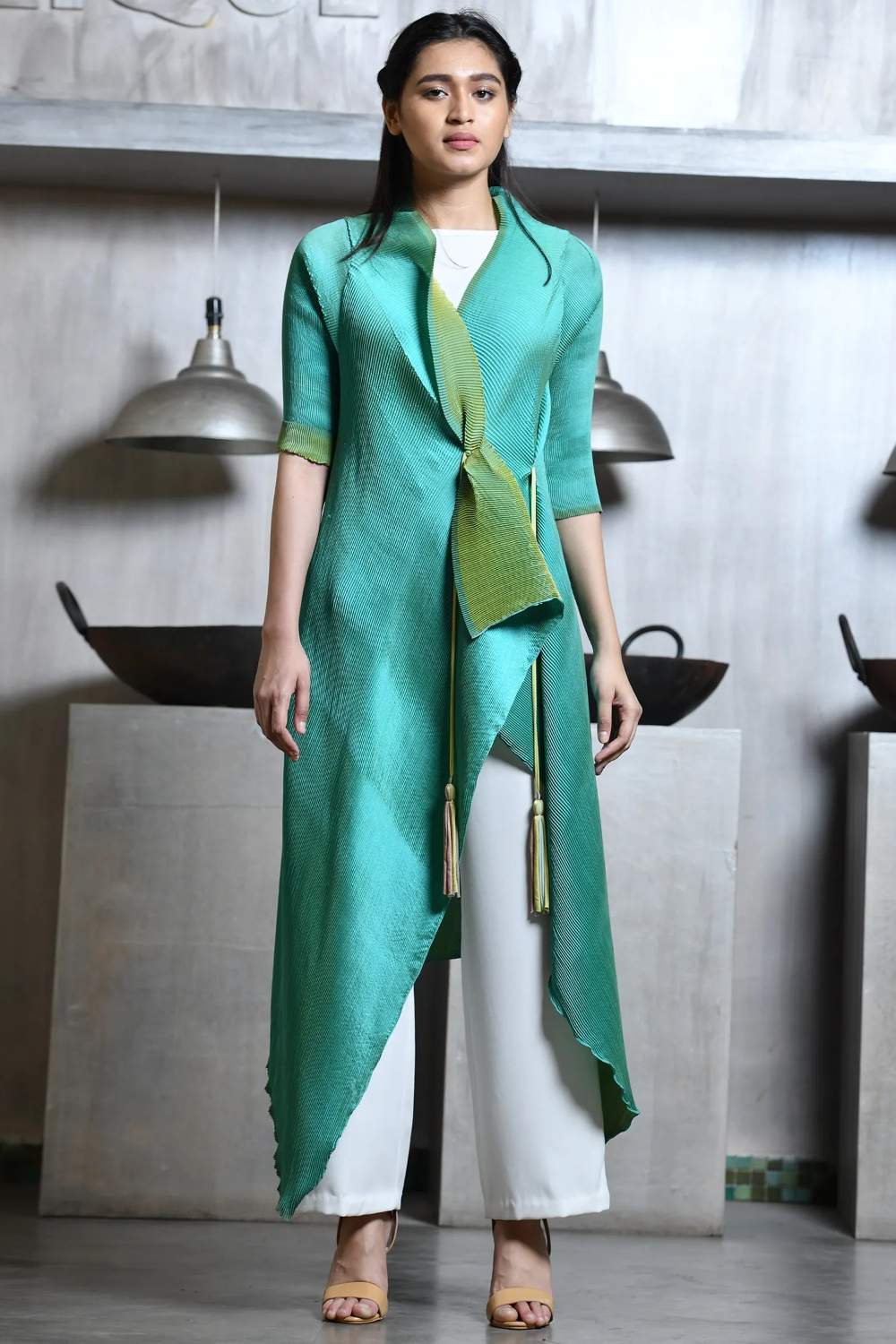 Buy Overlap Long Jacket By Kiran Uttam Ghosh At Aza Fashions In 2020 Fashion Designer Dresses Indian Long Jackets For Women