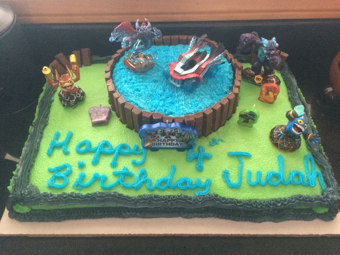 Fabulous Skylander Birthday Cake With Images Skylanders Birthday Cake Funny Birthday Cards Online Inifodamsfinfo