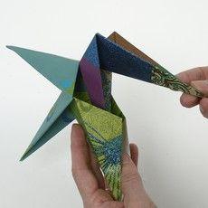 12665 Origamitähti käsintehdystä paperista