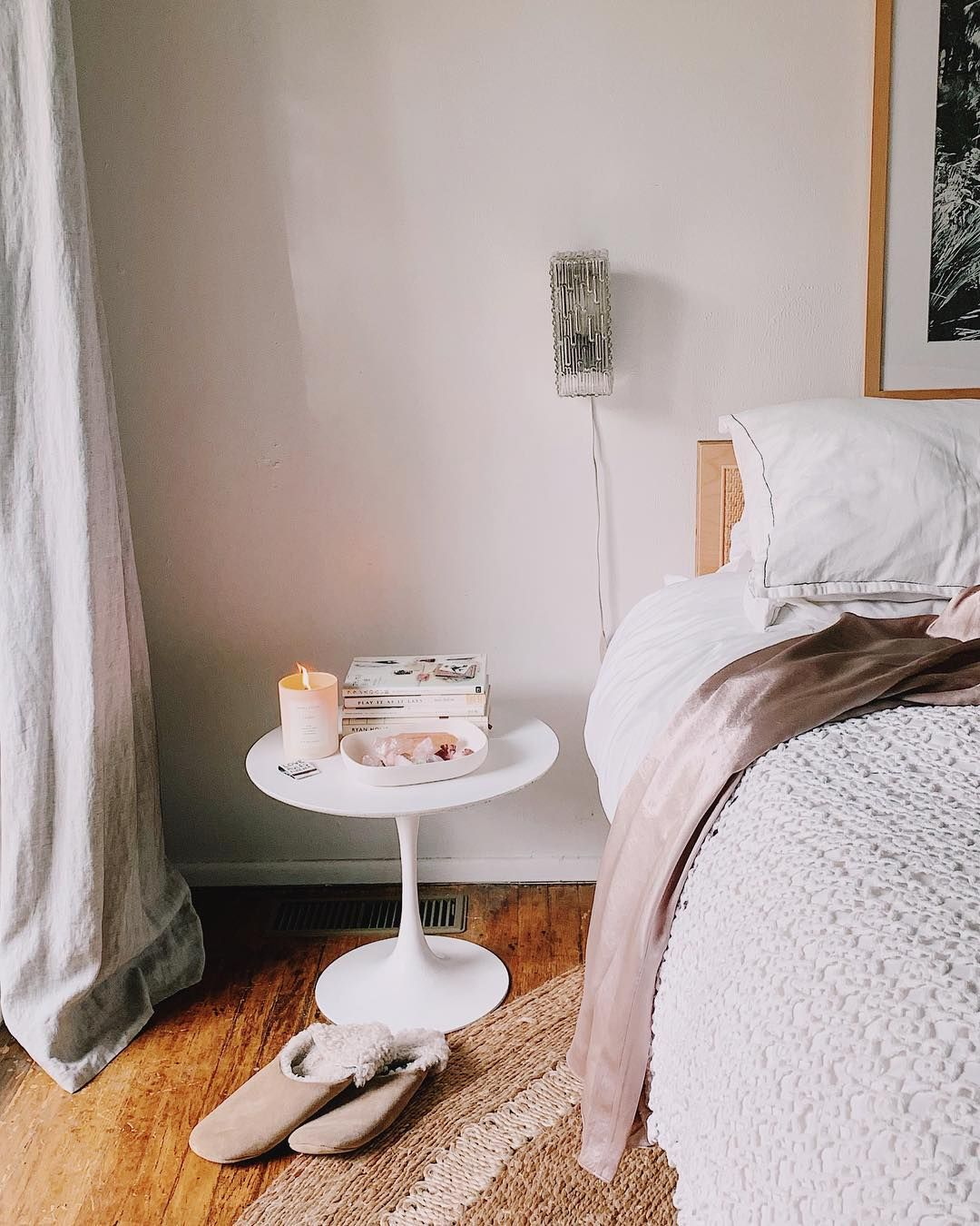 """50 Sleigh Bed Inspirations For A Cozy Modern Bedroom: Victoria Smith On Instagram: """"giveaway Alert! With All"""