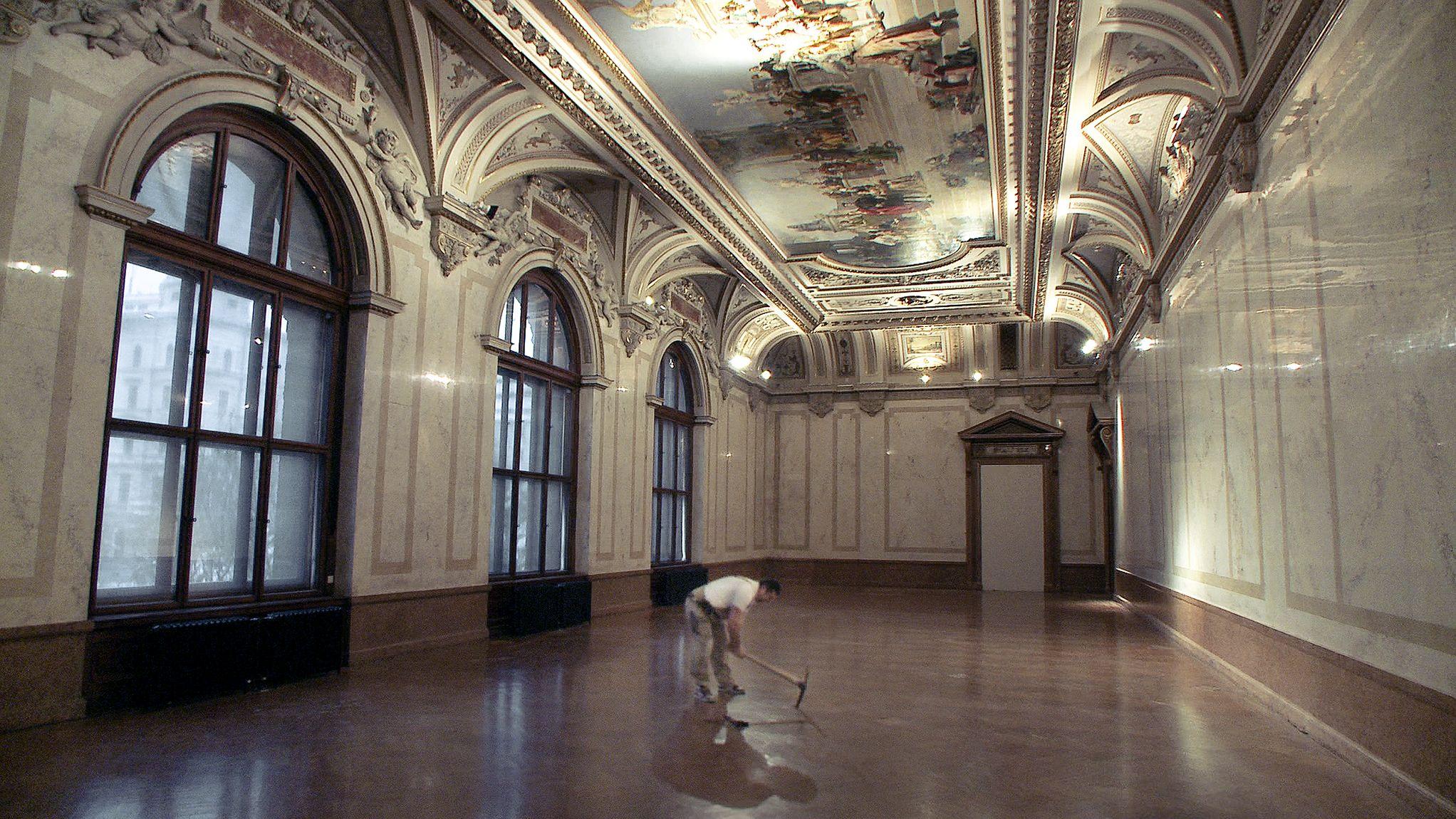 """Johannes Holzhausens beeindruckendes Institutionsporträt """"Das große Museum"""" über das Kunsthistorische Museum Wien KHM eröffnet die heurige Diagonale Festival des österreichischen Films."""