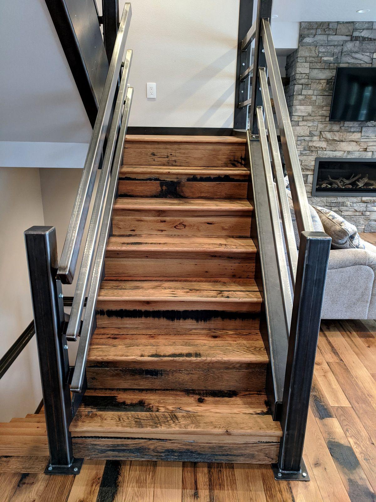 Reclaimed Horse Fence Oak Flooring Oak Flooring for Sale