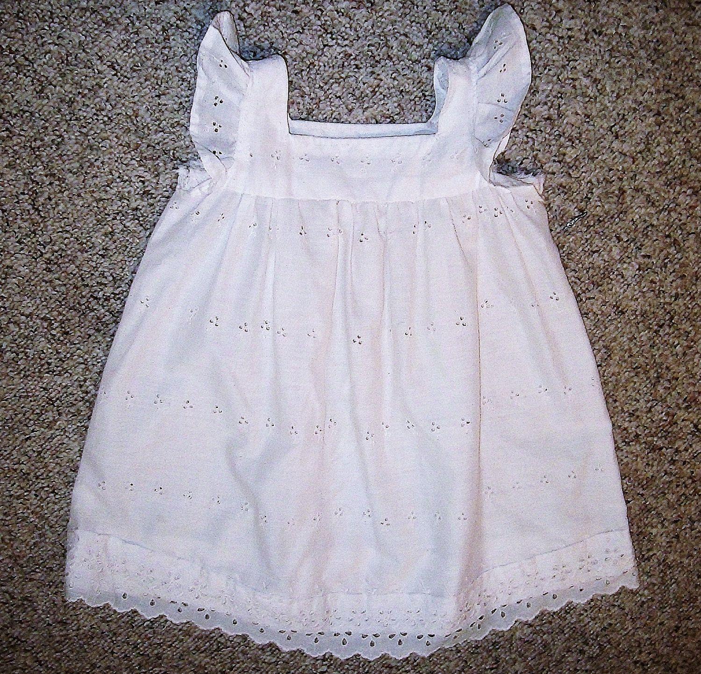 White Cotton Eyelet Lace Little Girls Dress 3t 24 00 Via Etsy Little Girl Dresses 3t Dress Childrens Clothes [ 1442 x 1500 Pixel ]