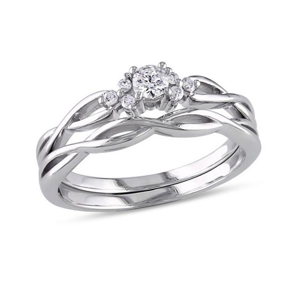 1/6 CT. T.W. Diamond Loose Braid Bridal Set in 10K White