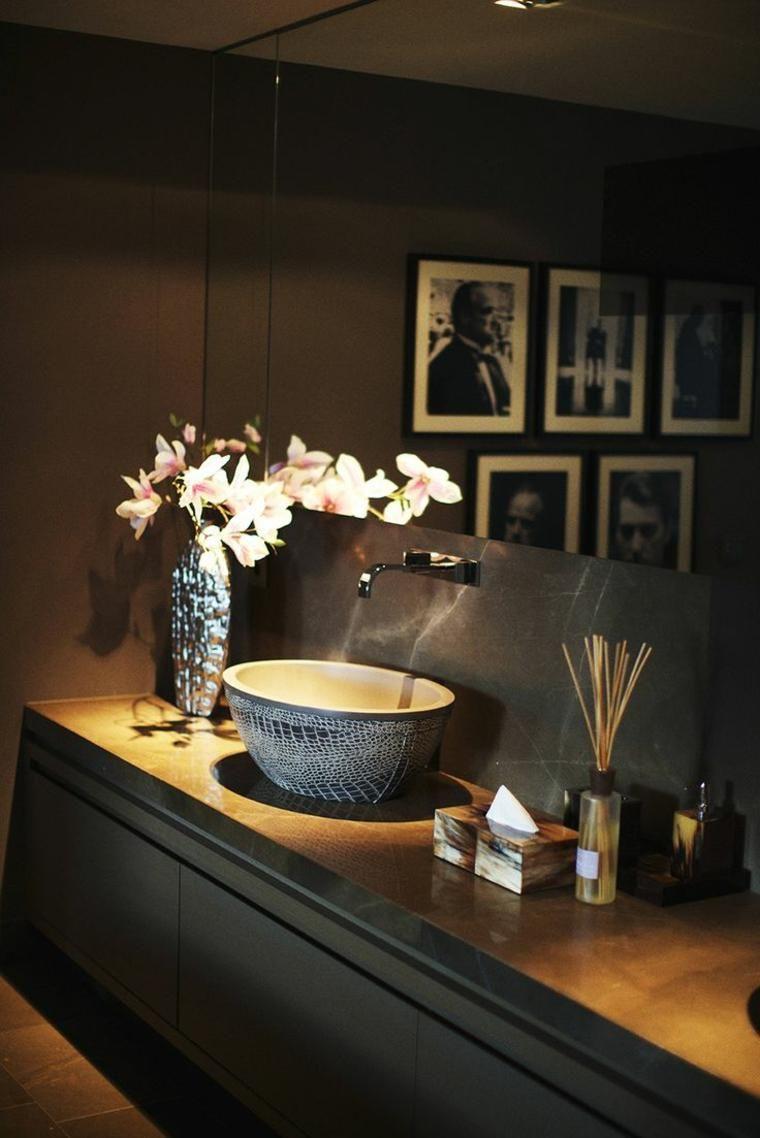 Dekorieren Sie Badezimmer in dunklen Tönen - wagen Sie es, Farben