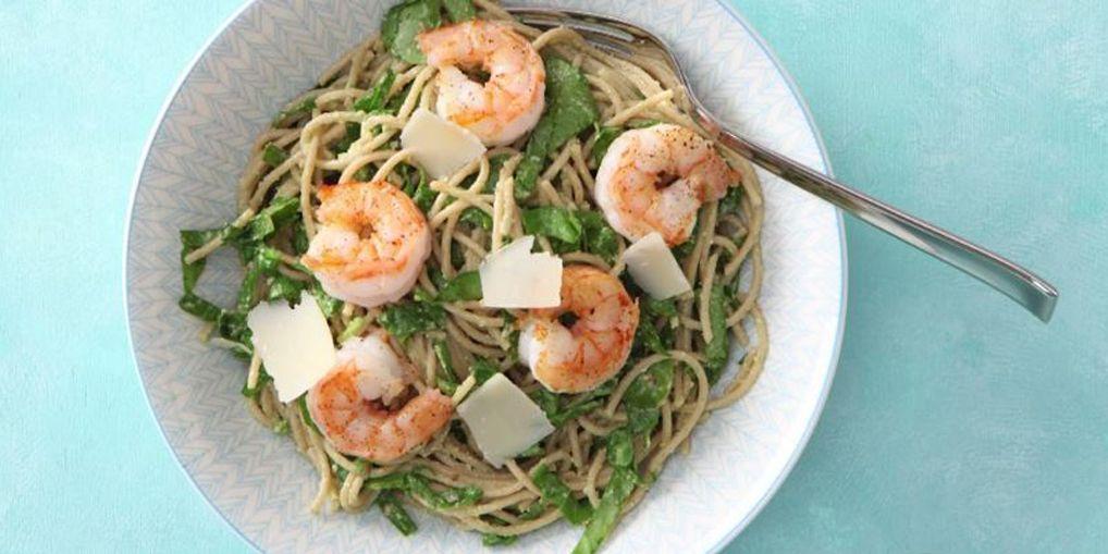 Mmmm, lekker spaghetti! Maar heb je zin om je pasta net even anders klaar te maken? Kies dan voor volkoren spaghetti met een saus van avocado.…